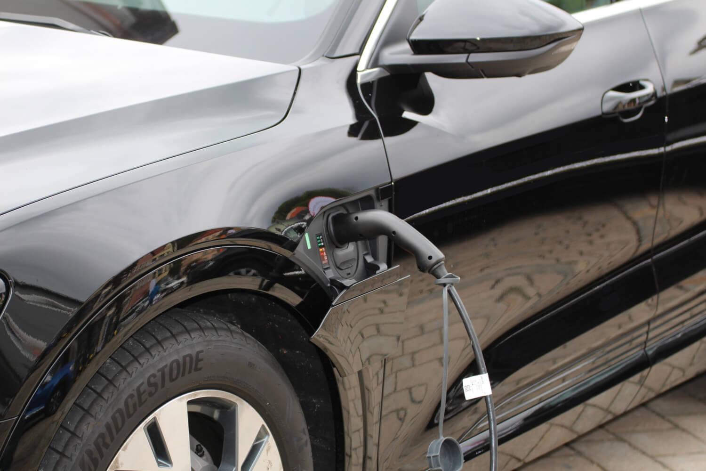 Klimabilanz von E-Autos besser als ihr Ruf