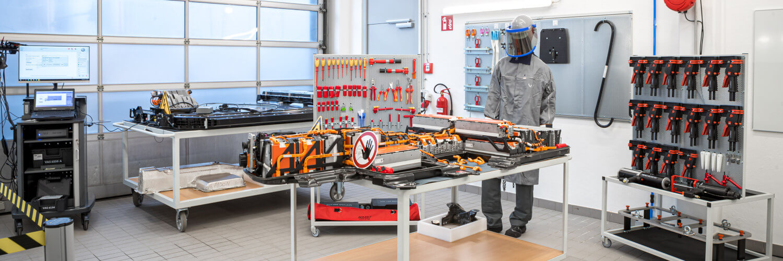 MOONCITY Batteriewerkstatt Werkbank